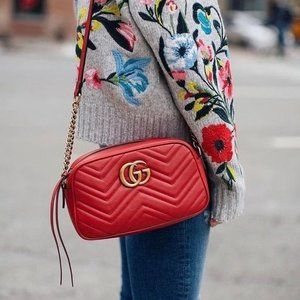 Authentic Gucci Marmont red crossbody G459039